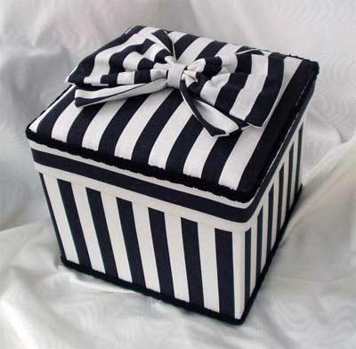 Square Box Black And White Striped Cotton Fabric Pb605